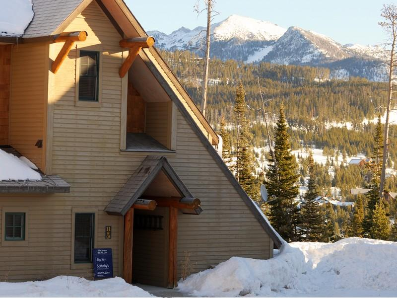 This beautiful Saddle Ridge townhome in Big Sky, Montana features a detached garage, is very well appointed, and is sold completely furnished. Ski-in and out to Big Sky or Moonlight Basin Ranch from this 3 bedroom, 3.5 bath unit. Click on the image for more photos and information from skipropertysir.com.