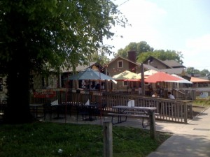 Where To Find Outdoor Dining in Nashville