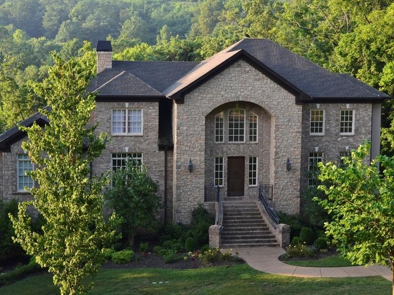 RESIDE magazine Spring 2013 features Nashville home for sale