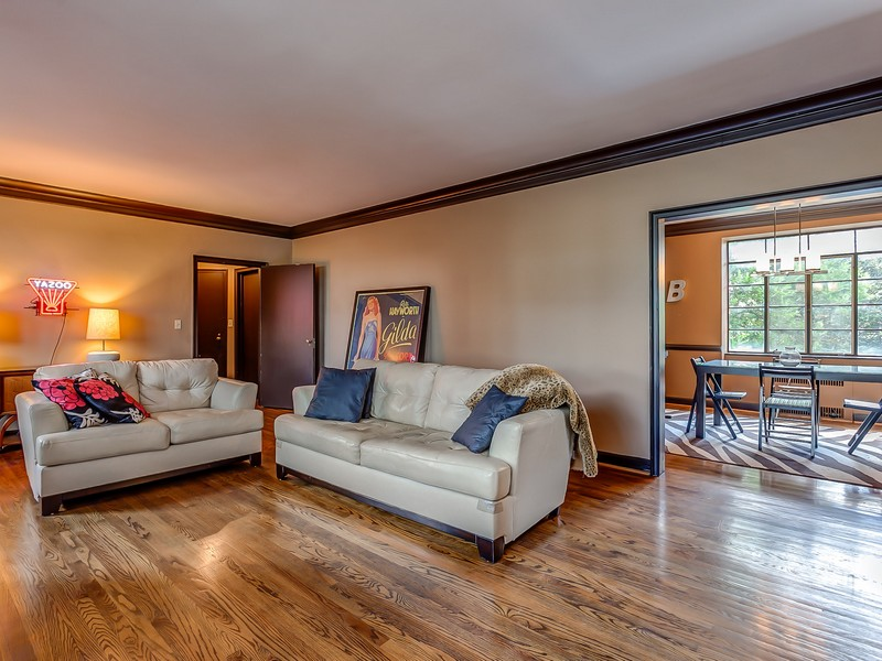 Video: Two Bedroom Belle Meade Condo for Sale