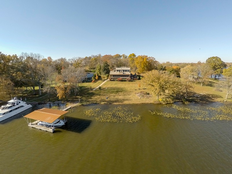 Video: Harbor Island home for sale on Old Hickory Lake