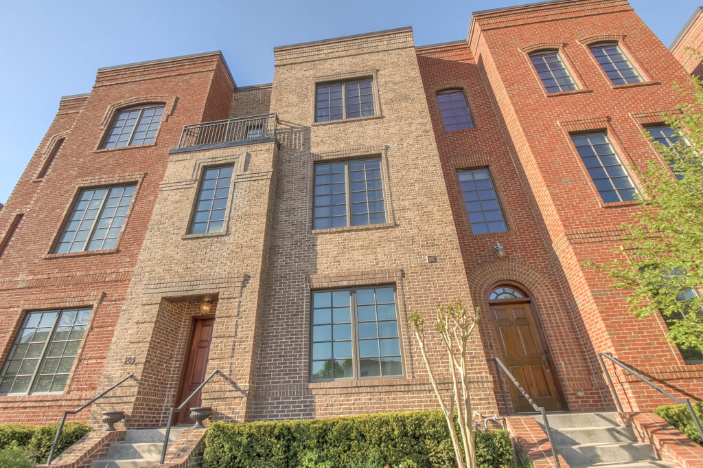 Video: Three Level Franklin Townhome for Sale