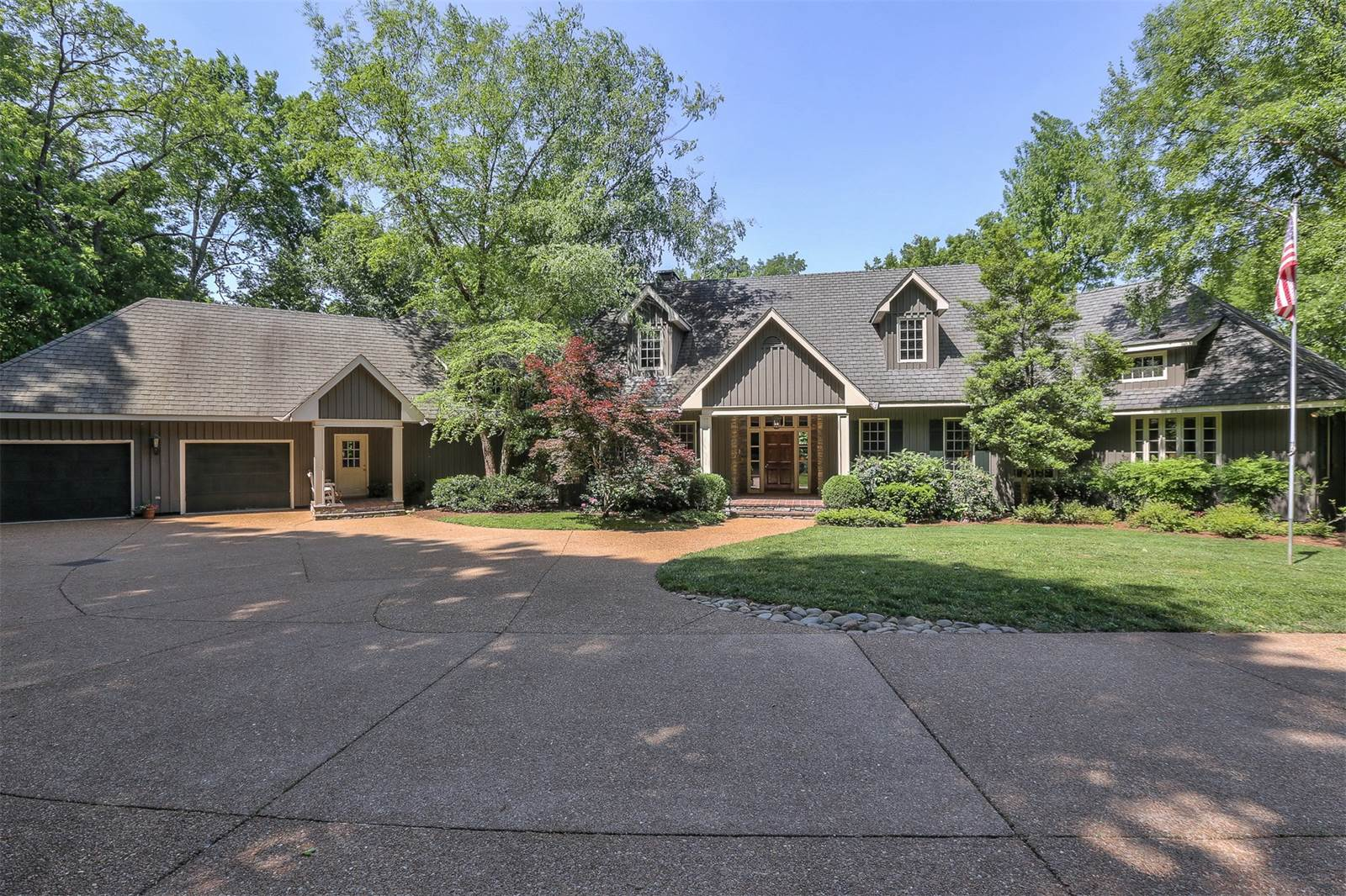Video: Elegant Home in Williamson County on 25 Acres