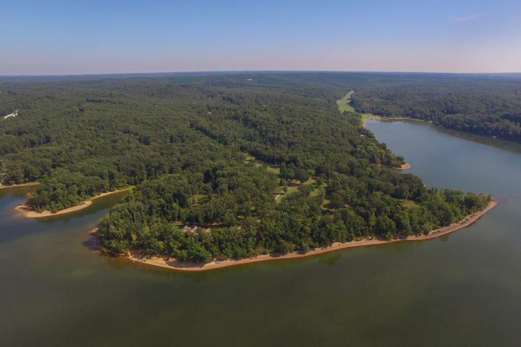 Discover Luxurious Lakeside Homes for Sale in Middle Tennessee